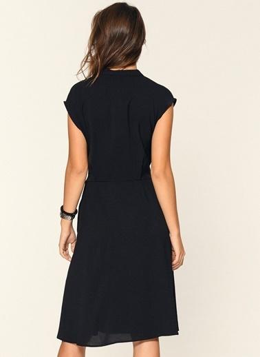 Loves You Düşük Kol Kuşaklı Crep Elbise Siyah
